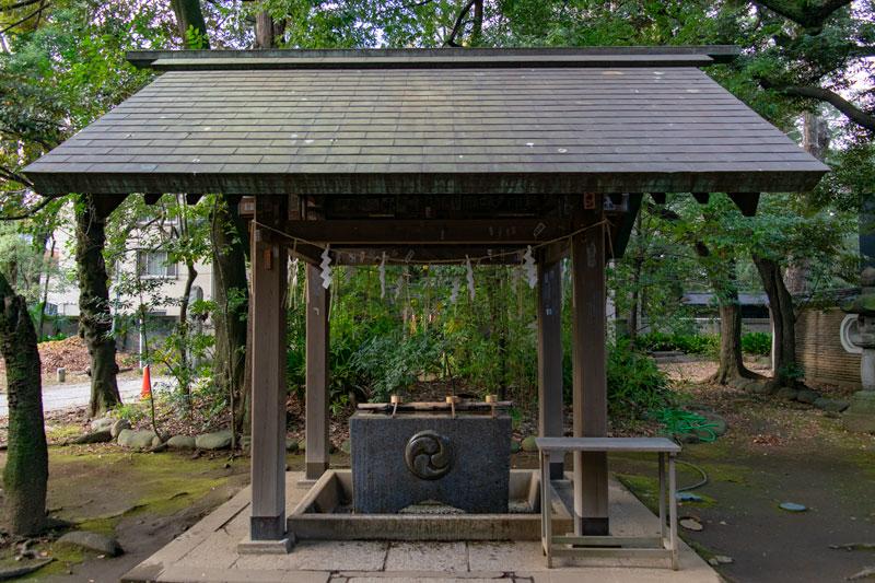赤坂氷川神社の手水舎