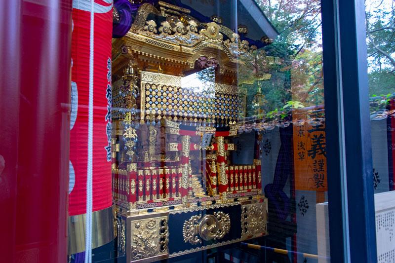 赤坂氷川神社の神輿