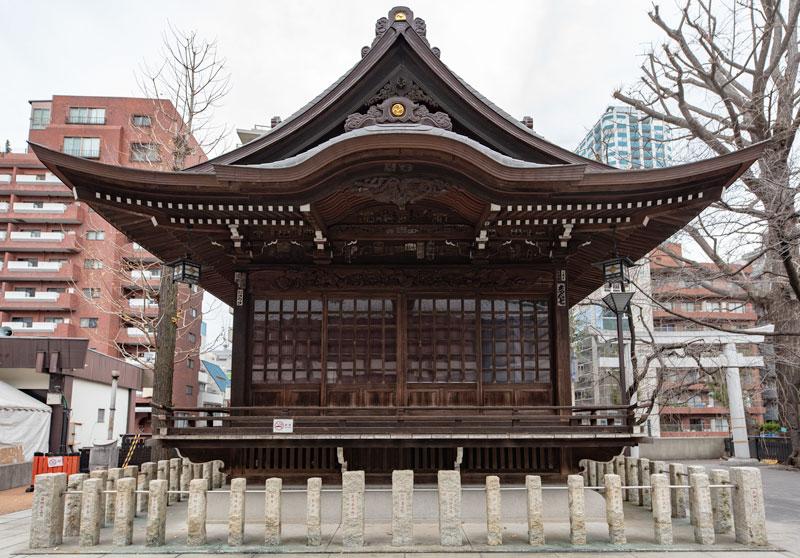 十二社熊野神社の神楽殿