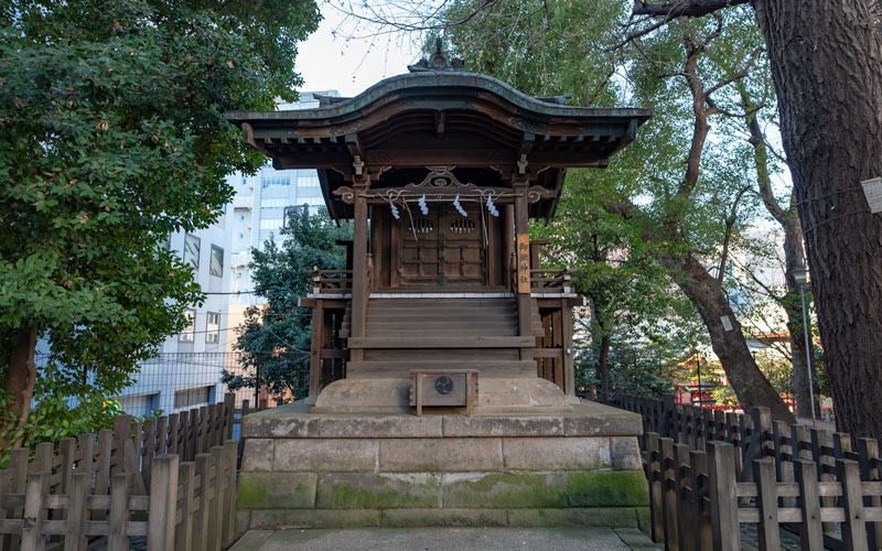 金王八幡宮の御嶽神社社殿