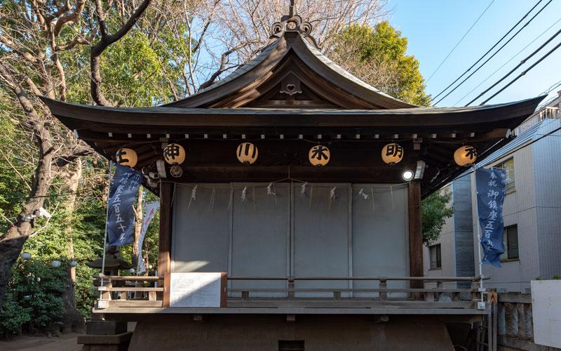 神明氷川神社の神楽殿