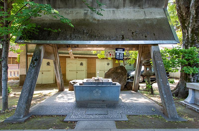 新井天神北野神社の手水舎