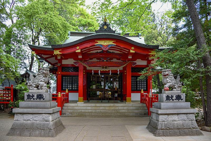 六所神社本殿