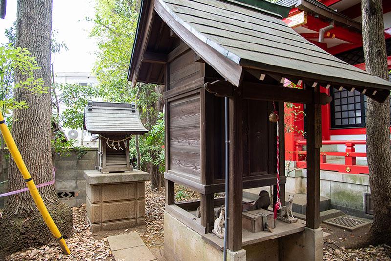 六所神社の稲荷神社2