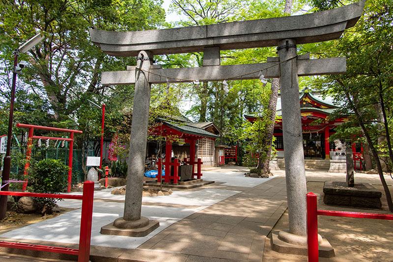 六所神社の鳥居3