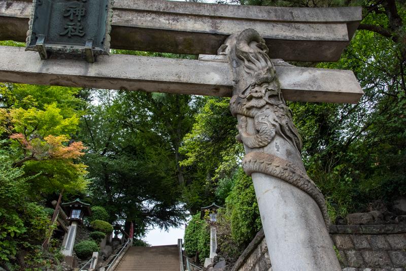 品川神社入り口鳥居 降龍
