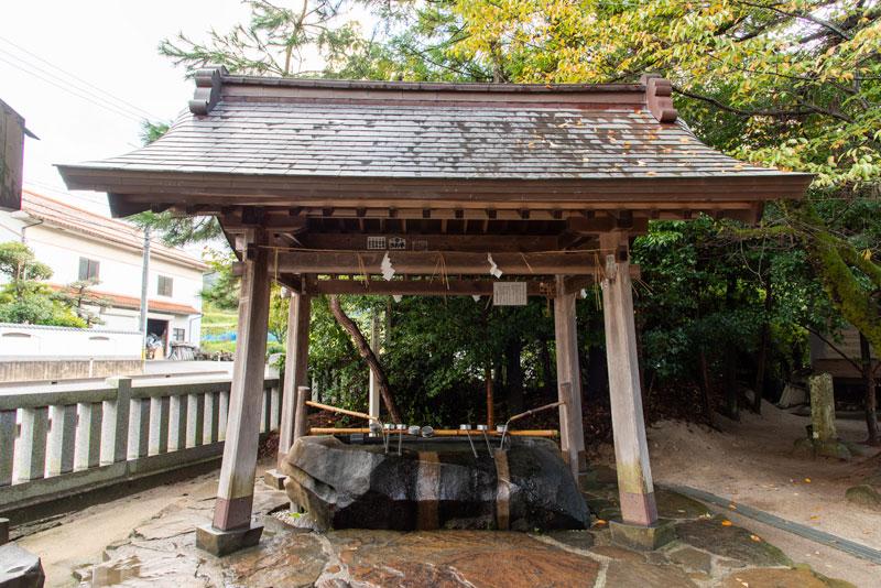 八重垣神社 手水舎