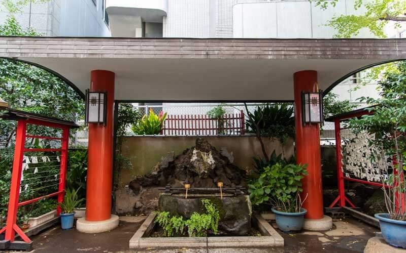 三崎稲荷神社 手水舎