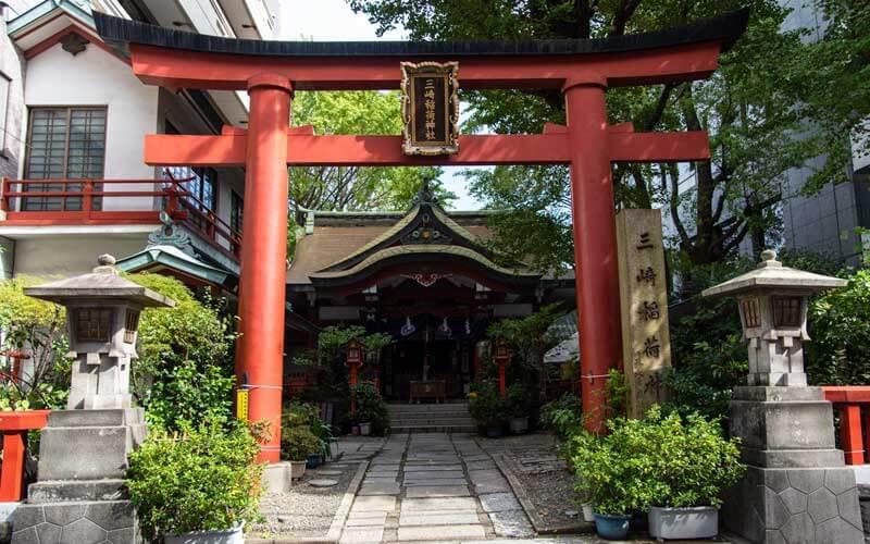 三崎稲荷神社 鳥居