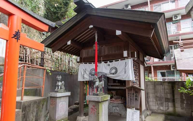 王子稲荷神社 お石様