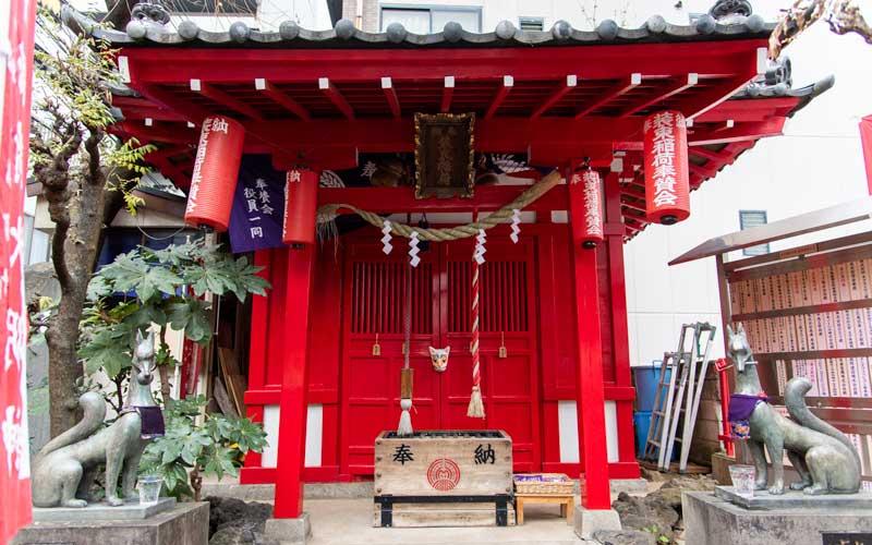装束稲荷神社 拝殿