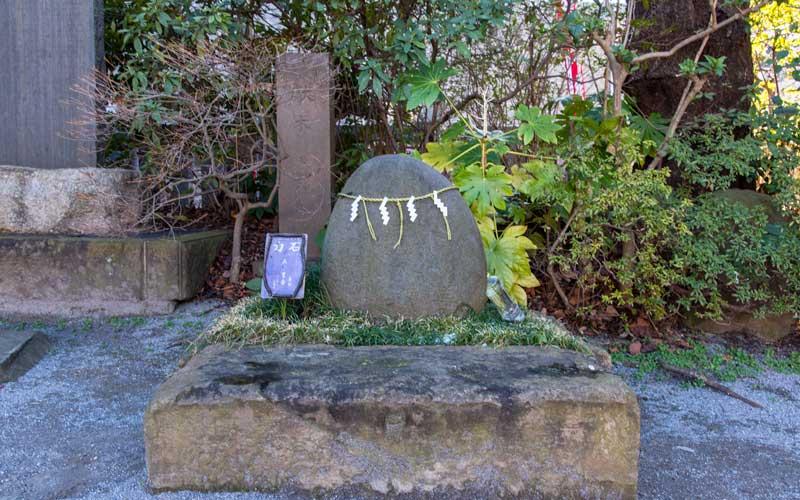 東大島神社 力石