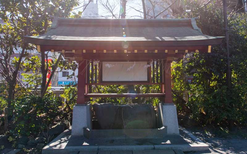 東大島神社 手水舎