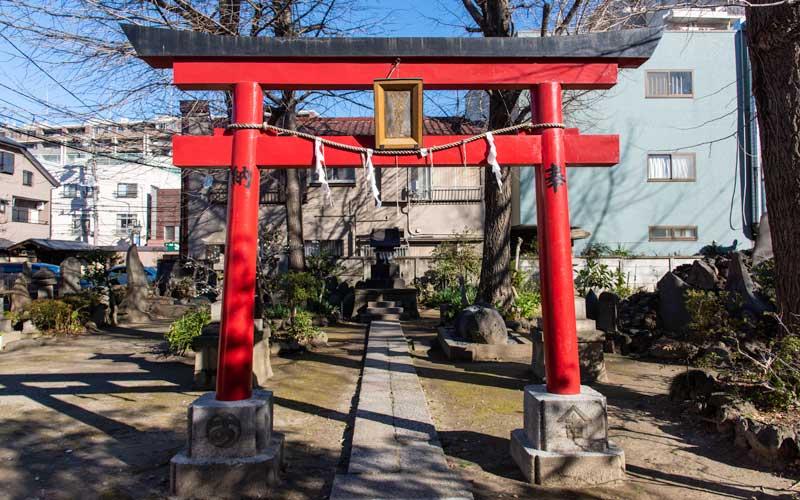 富賀岡八幡宮 浅間神社鳥居