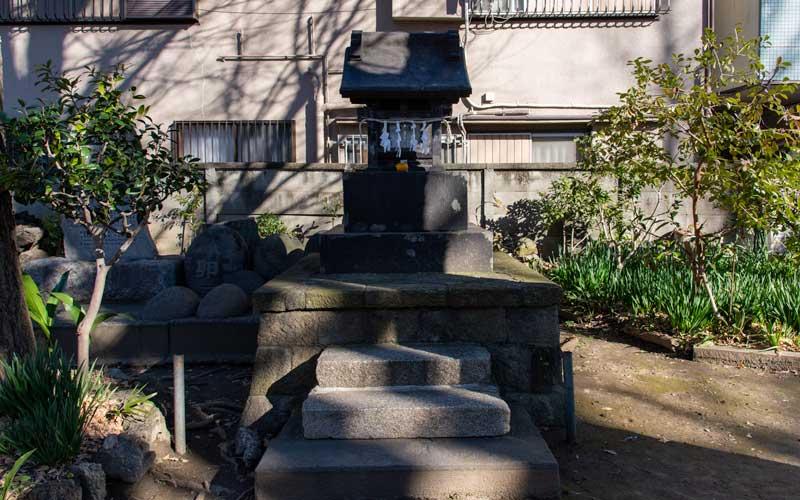 富賀岡八幡宮 浅間神社