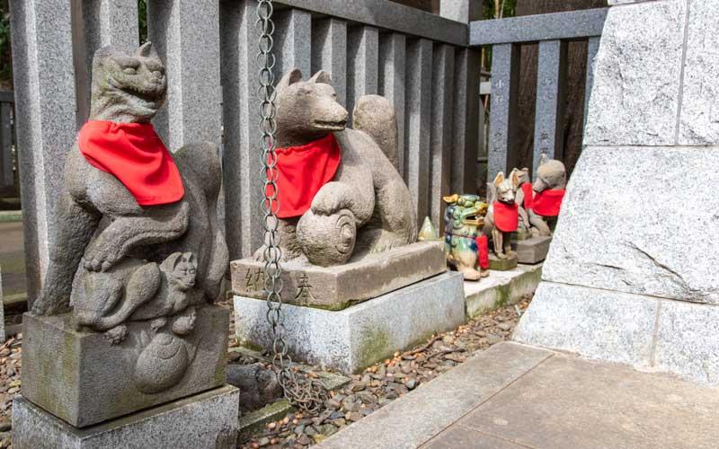 荻窪八幡神社 稲荷神社狐