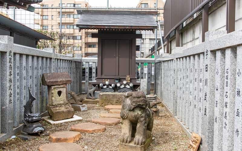 荻窪白山神社 狐霊